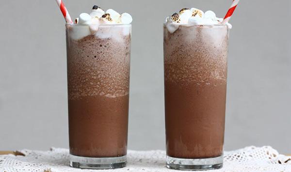 Batido de chocolate con nata