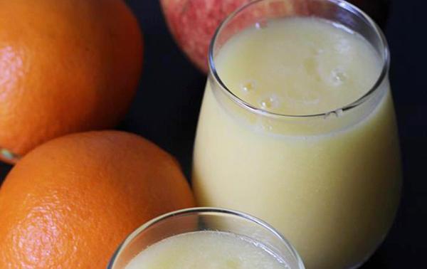 Batido de manzana y naranja