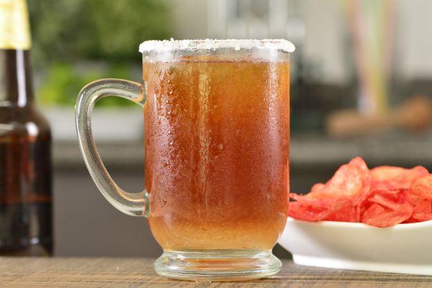 Cóctel diplomático de cerveza